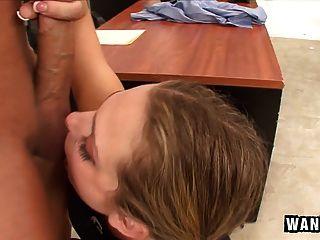 बुरी लड़की किशोर उसे शिक्षक द्वारा भंडाफोड़