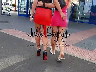 4 सेक्सी लड़कियों कैसे उच्च ऊँची एड़ी के जूते पहली बार में चलने के लिए दिखाने