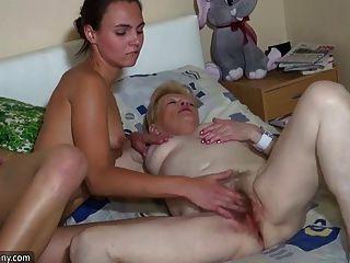 oldnanny गर्म त्रिगुट श्यामला किशोरों ग्रैन साथ masturbatting