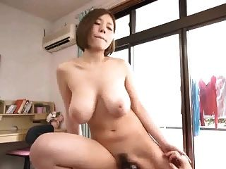 सुंदर जापानी busty लड़की