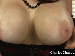 ताम्पा हॉट पत्नी Charlee चेस मुर्गा teases!