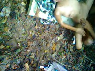 indonesia- अनाक एमए Jilbab हिजाब ngentot di Hutan