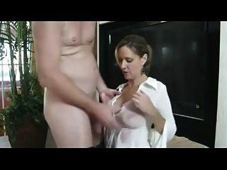 माँ बकवास वह चाहता दे रही है!