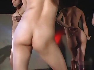 सेक्सी जापान लड़कियों गर्म नग्न गोगो समूह नृत्य