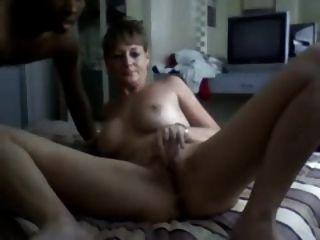 सफेद पत्नी को धोखा दे बीबीसी द्वारा फैला हो जाता है