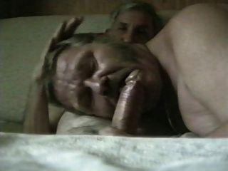 n कमबख्त चूसने दो जर्मन grandpas