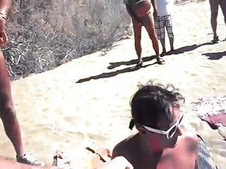 नग्न समुद्र तट - एक समय में एक ही लोग