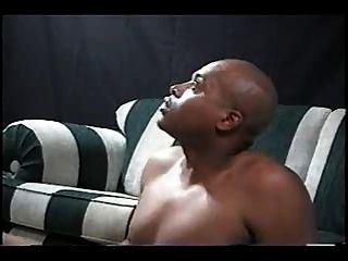 दक्षिणी गोरा पत्नी गड़बड़ और काले आदमी द्वारा creampied हो जाता है