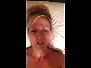 सेक्सी गर्म गर्म रिकॉर्ड गंदी बात करते हुए खुद कमिंग