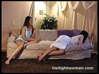 twilightwomen - समलैंगिक लालच और रोल प्ले