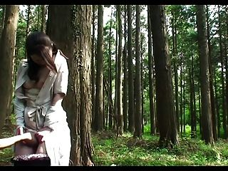 जंगल में milf सेक्स