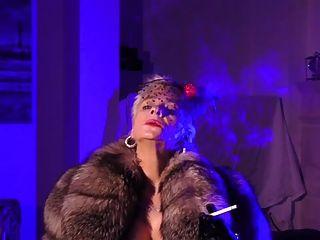 वैनेसा बुत पूरी तरह से पहने ऊँची एड़ी के जूते नाइलन गेटिस furs bcbg