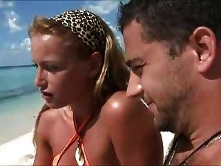 हनीमून पत्नियों समुद्र तट पर धोखा