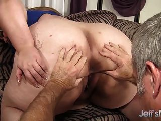 विशाल titty मैंडी राजसी एक मोटी मुर्गा लेता है