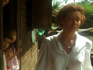 Emmanuelle (1974) सिल्विया Kristel साथ