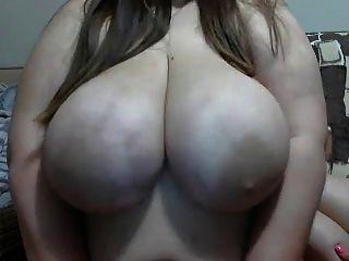 विशाल स्तनों चूसा जा रहा है