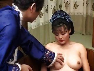 चीनी सुंदरता सींग का बना milf