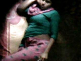 उसके बिस्तर में Barishal महिला खुश Masturbating पड़ोसी ने देखा