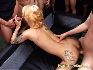 Bukkake groupsex नंगा नाच में जर्मन एमआईएलए