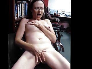 संभोग करने के लिए हस्तमैथुन खुश परिपक्व पत्नी