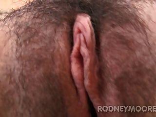 अधोवस्त्र Masturbating में लूना रायबरेली बालों बेब