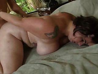 बड़े स्तन के साथ plumper