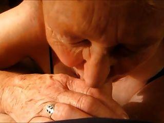 सुनहरे बालों वाली दादी 2