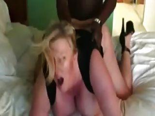 बीबीडब्ल्यू एमआईएलए वेश्या योनी और गधे में काले मांस हो जाता है