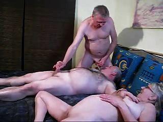 Blondie महिला के स्तन पर सह bisex