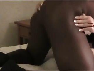 सुनहरे बालों वाली सीडी कमबख्त काला मुर्गा
