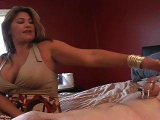 सौतेली माँ उसे तारीख के बाद Cuck का दौरा