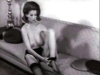 सोफे पट्टी - विंटेज नाइलन स्टॉकिंग्स स्ट्रिपटीज़ बड़े स्तन