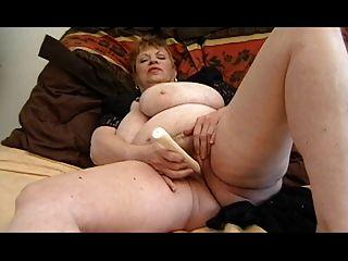 फैट दादी Masturbating