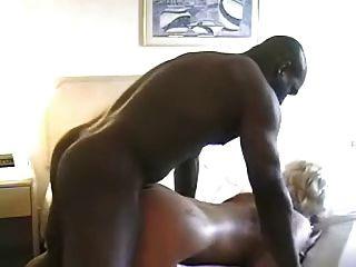 परिपक्व गोरा Fucks काले