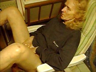 पुराने दादी 75 साल हस्तमैथुन