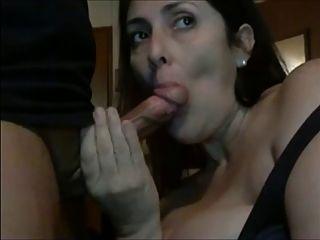 शौकिया 2 - सुंदर महिला blowjob चूसना और पूरे सह निगल