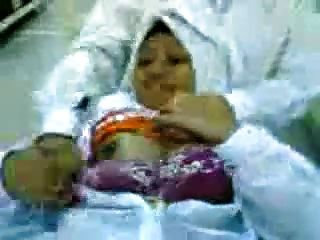 malay- minah tudung हिजाब tayang tetek दान pepek