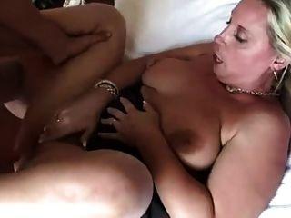 सींग का बना माँ सेक्स प्यार करता है