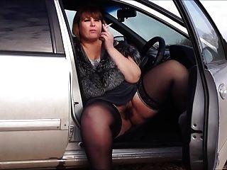 इरोज और संगीत - एक बिल्ली बालों से bbw, कार में धूम्रपान