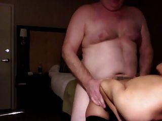 पिताजी Fucks युवा वेश्या