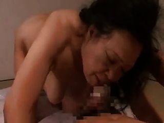 जापानी दादी रीको Kurosaki 70