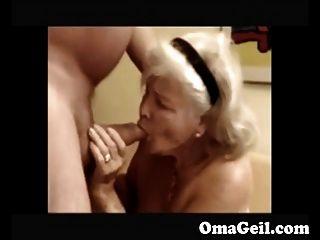 दादी मुश्किल दादा के डिक चूसने