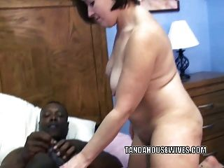 मोटा milf Liisa उसके परिपक्व योनी गड़बड़ कठिन हो जाता है