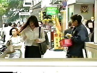 जापानी गर्म स्तन कोड़े होना करने के लिए भुगतान करता है