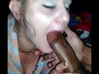 विशाल माथे के साथ सफेद लड़की बेकार है बीबीसी