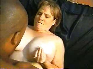 मोटा पत्नी उसे बीबीसी को ले