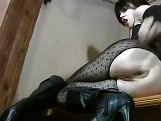 अधोवस्त्र में गर्म गर्म उसकी योनी और गधा fisting