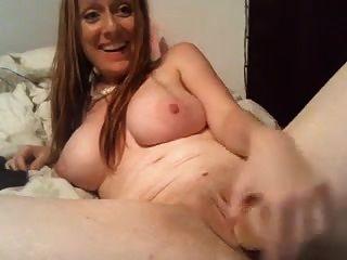 Busty milf हस्तमैथुन वेब कैमरा