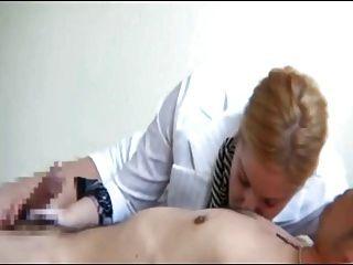 पुरुष निपल्स 6 पर चूसने महिलाओं