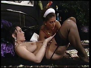 एक अच्छा नौकरानी उसकी मालकिन समलैंगिक cravings को पूरा करती है